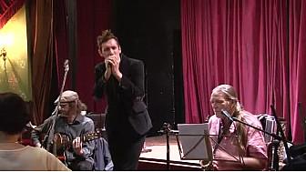 Guillaume Muller sort son premier album 'L'envers du décor' ! Revivez la soirée parisienne. ( @guillaumemulleroff tvlocale )